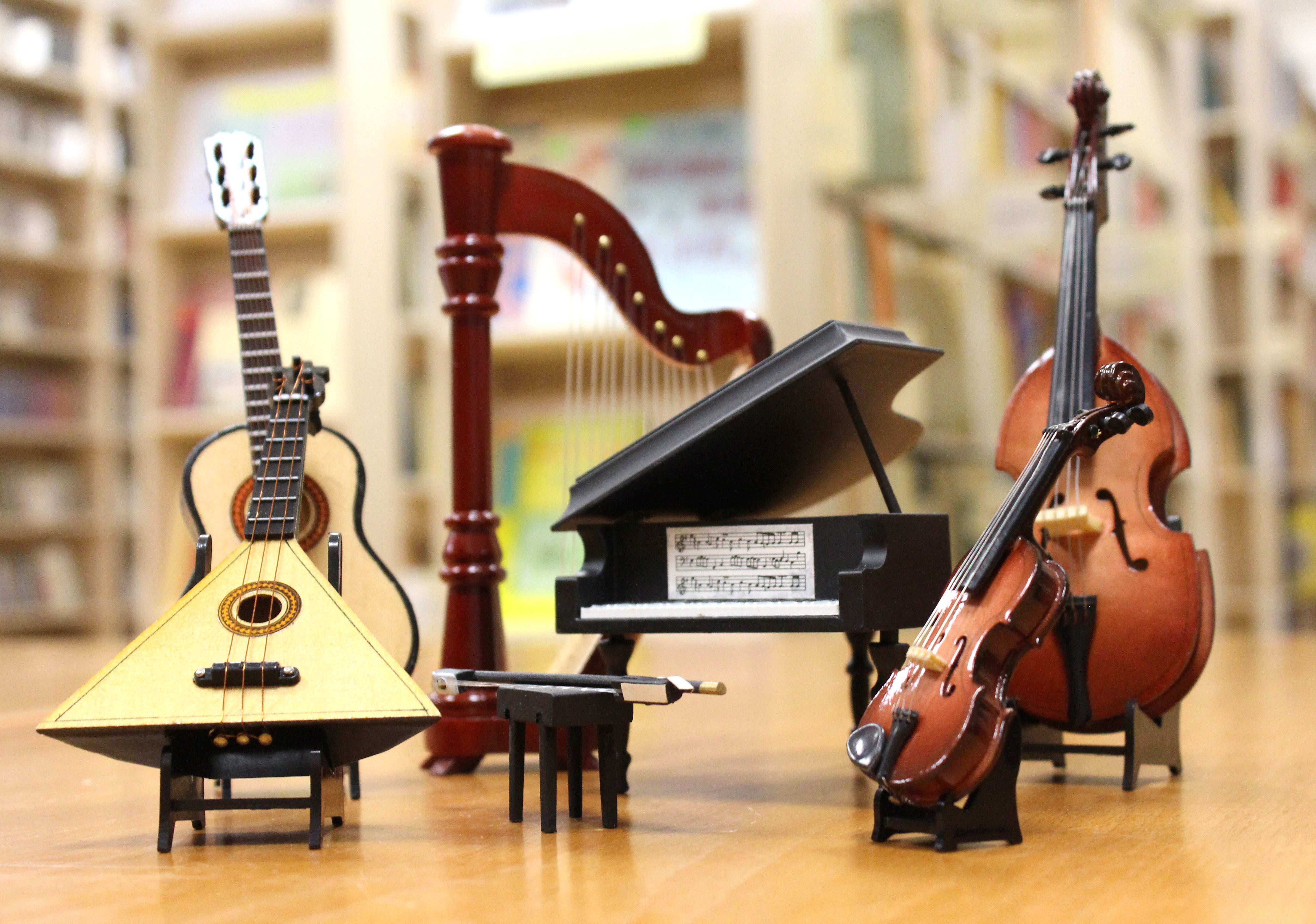 Different instruments with different sound timbre