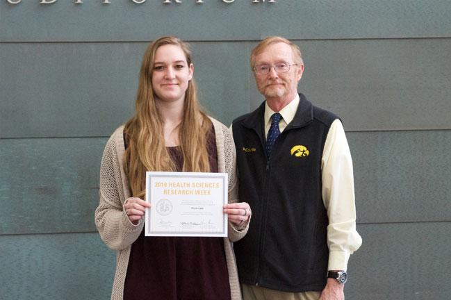 Nicole Cady receives award