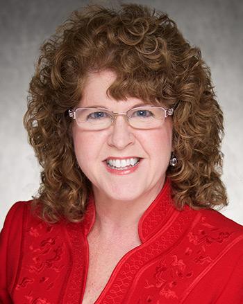 Peggy Nopoulos portrait